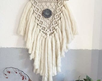 Macrame pendant with rope and wool