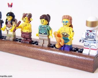 LEGO Minifigure Display Shelf - Walnut    (Minifigure Mantle)