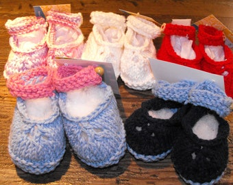 Baby shoes, baby ballerina shoes, stockings, booties, knitted, cotton yarn, Navy, light blue, red, pink, white, wooden buttons