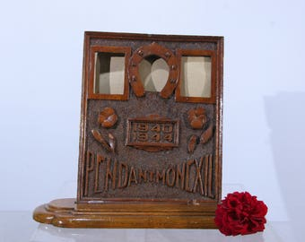 """WWII French trench art frame / WW2 prisoner art / """"During my exile"""" - """"Pendant mon exil"""" 1940-1944 shoehorse motif, picture photo frame"""