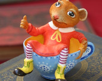 The Dormouse figurine. Mouse/Alice's Adventures in Wonderland / Alice adventures in the land of Wonderland/mad hatter tea party/Alice/art doll