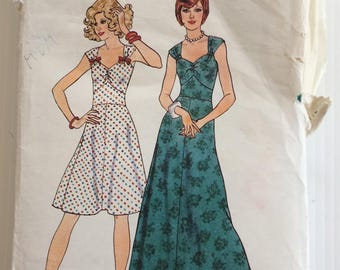 Vintage 1970's Style sewing pattern 4691 - Misses' dress - size 12