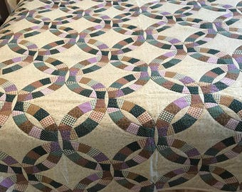 Wedding Ring, Queen Comforter, Cheater Quilt Hand Quilted