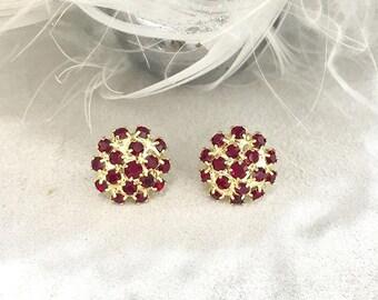 VINTAGE - rose red crystal pierced earrings