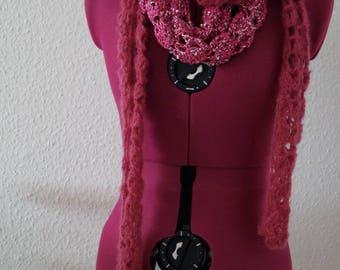 Scarf and loop scarf