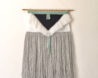 HIPPIE TRIANGLE // Woven Wall Hanging