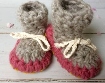 Newborn slippers, Crochet slippers, Toddler slippers, Leather sole, cuff slippers, Children's slippers, kids slippers, baby girl slippers,