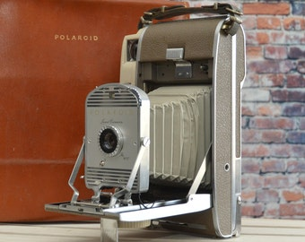 Vintage Polaroid Land Camera - The 800 film camera