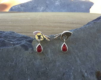 No.167 Hands Holding Rubies Post Earrings