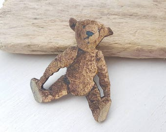 Bear brooch. Teddy bear brooch. Cuddly bear badge. Bear jewellery. Steiff. Teddy bear badge. Teddy bear jewellery. Vintage toy bear brooch.