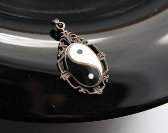 Ying Yang Pendant, Sterling Silver Black and White Chinese Pendant, Spiritual Stone Jewelry, Ying Yang Necklace, Ying Yang Charm