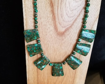 Green composite stone necklace and earring set
