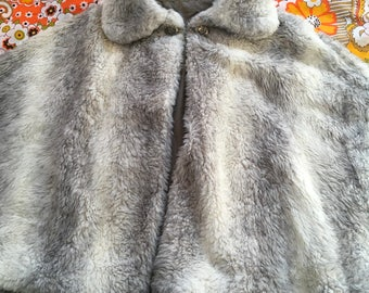 Vintage Gray and White Faux Fur Collared Short Cape Poncho Shawl