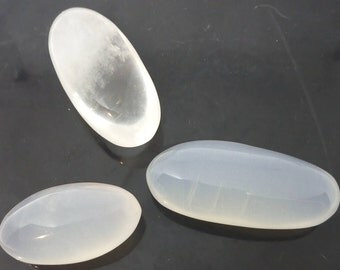 Set of rock crystal 99,68 Gr, 3 pebbles elongated - CRlot5