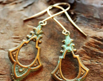 Vintage-style matte gold and turquoise elegant drop earrings