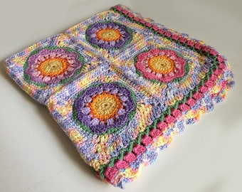 Colorful baby blanket with Flowers