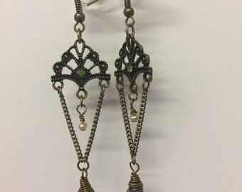 Vintage Dangle earrings/ fish hook/classy/Filigree