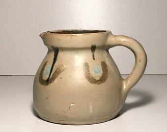 Petite aardewerken kan