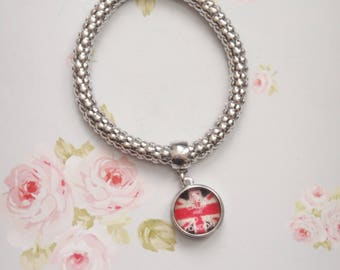 Silver bracelet with cabochon flag England
