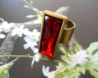 Medieval ring rectangular bronze rhinestone red crystal.