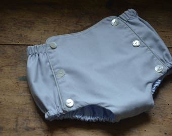 Mother of Pearl buttons grey bloomers