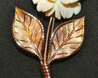 Pretty Vintage 1960's VAN DELL 1/20 12K Gold Filled GF Carved Rose Flower Brooch Pin