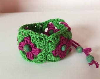 Crochet wristband bracelet granny squares with beads in green pink
