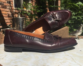12d | 80s Stanley Blacker brogue flat toe tassel italian loafer with mock alligator trim around collar Made in Italy leather sole burgundy