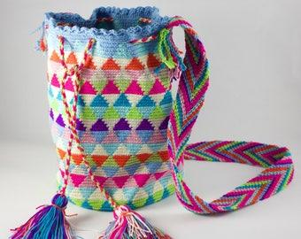 Authentic Colombian Mochila Bag / Hand-woven / Multicolor / Spring
