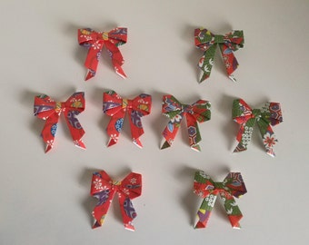 8 handmade origami little bows / ribbons (Japanese Wagami Chiyogami Paper)