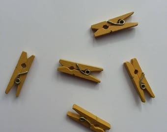 lot de 5 épingles à linge  en bois  jaune 2.50cm