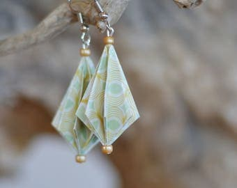 "Origami ""pleated shape earrings"