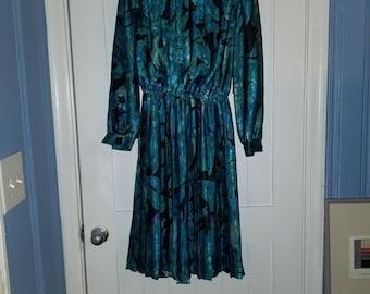 Blue floral cinched waist maxi dress