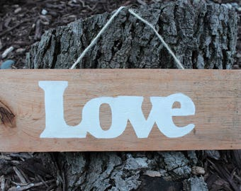 Reclaimed Pallet Wood Small Love Sign