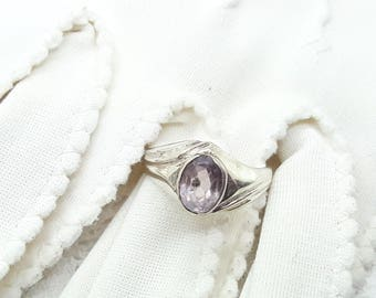 Amethyst Sterling Silver Vintage Ring/Free Shipping US/  February Birthstone/Christmas/Valentine/Birthday/Mother/Anniversary gift