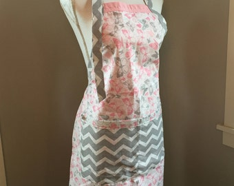Reversible Butterfly and Chevron Apron