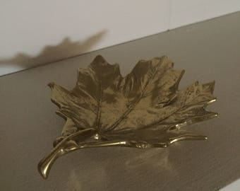 Vintage Brass Sugar Maple Leaf from the 1950s - Leaf Trinket Dish - Leaf Jewelry Holder - Vintage Brass Leaf Decor