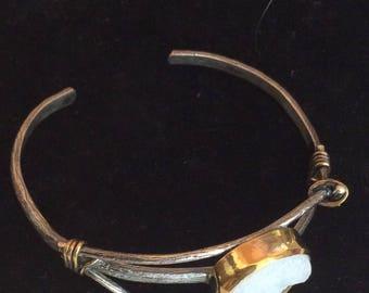 Brutalist silver bracelet with milky Quartz