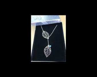 Necklace double leaf