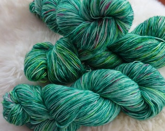 Holly & Ivy // Fingering Weight //  75-25 wool blend yarn// christmas sock yarn // variegated-speckled hand indie-dyed yarn