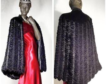 1930s 1940s Opera Cloak Cape Old Hollywood Black Silk Velvet Ruched Sz M