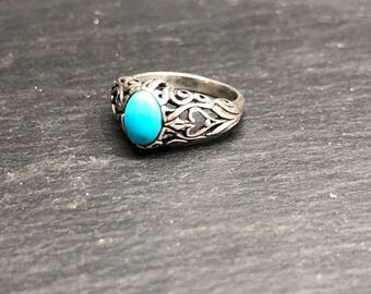 Turquoise and Sterling Silver Vintage Ring Size 6.75