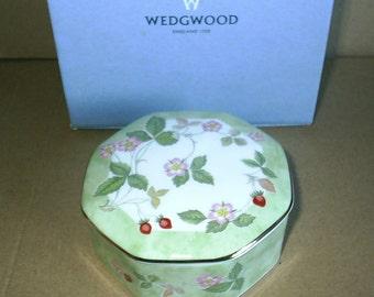 Wedgwood Wilr Strawberry Octagonal Box