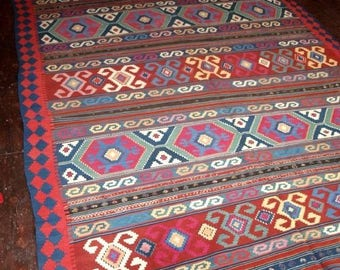 Antique Caucasian Kuba Kilim, Great Condition, Circa 1900/1920.