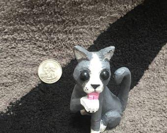 gray Cat kitten carving
