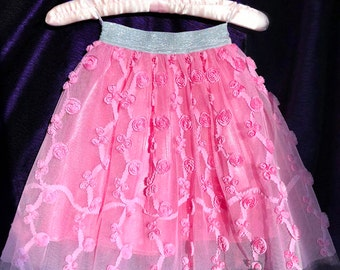 Skirt with roses