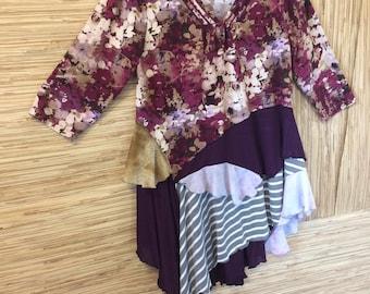 Upcycled floral lagenlook tunic-plus size 1X XL-paint splatter-crochet lace neckline-shabby boho plus size clothing-flower shirt-75rabbit