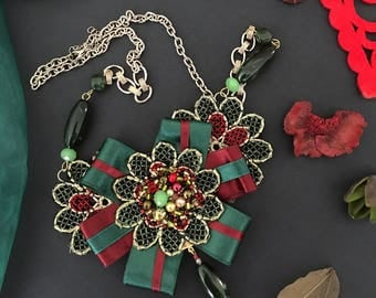 Green Emerald Necklace, Burgundy Necklace for Women, Floral Necklace, Beaded Necklace, Flower Pendant Necklace, Ribbon Pendant, Bow Necklace