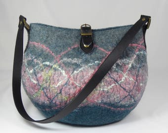 Felt Shoulder Bag, Felt Handbag, Felt Bag, Felt Purse, Shoulder Bag, Grey Wool Felt Bag, Felted Bags, Felt Bags for Women, Bags and Purses