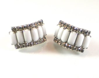 White Milk Glass Clear Rhinestone Silver Clip On Earrings Vintage Jewelry Wedding Bridal Prom Earrings Retro Mid Century Earrings